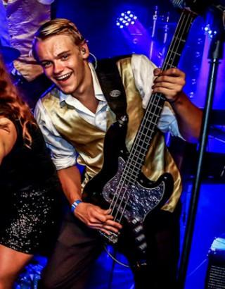 Nieuwe bassist Martijn van Meerten